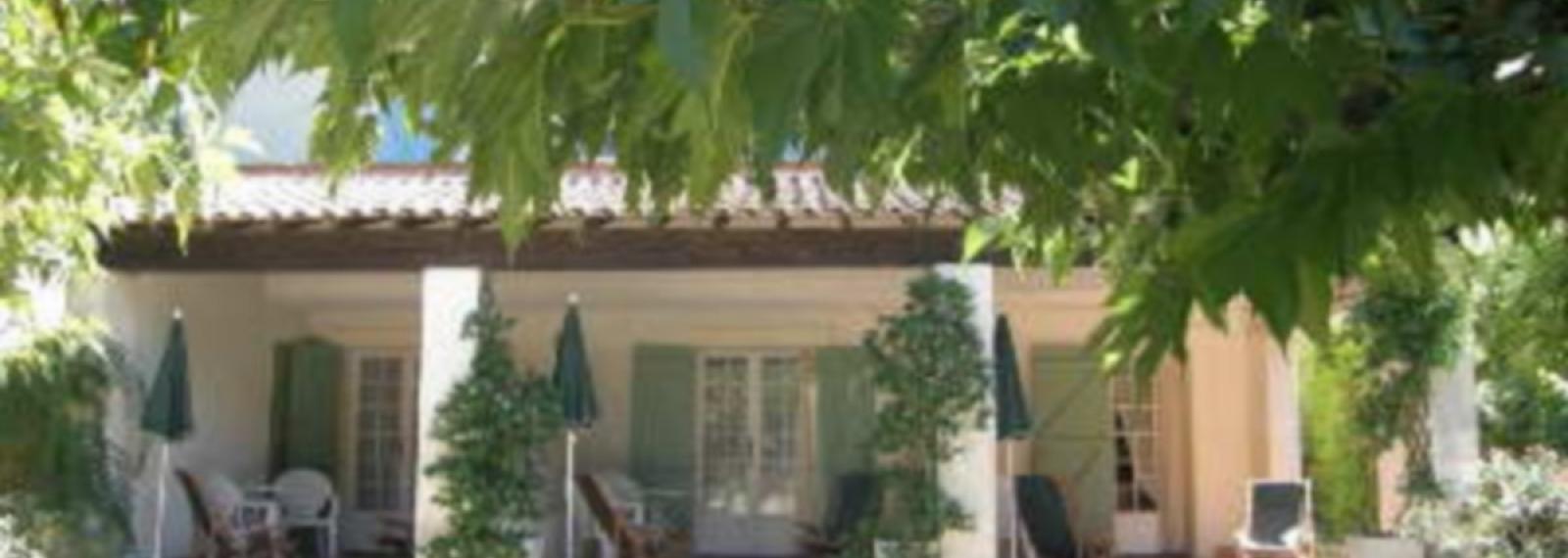 Location saisonnière Les Lauriers Roses à Saint-Rémy-de-Provence