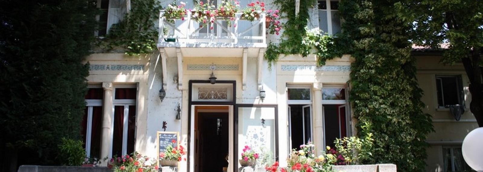 Hôtel Le Chalet Fleuri à Saint-Rémy-de-Provence